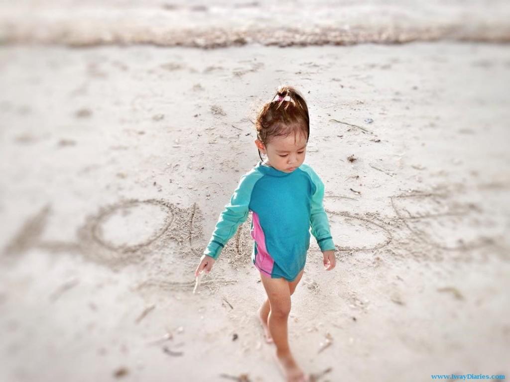 kid at the beach - bantayan island cebu