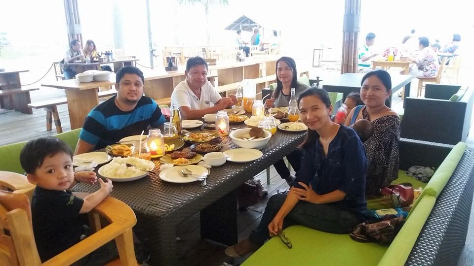 family at SRP Lantaw Native Restaurant