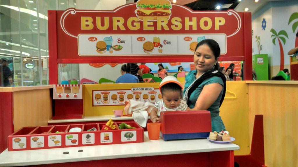 kidzoona-burger-shop