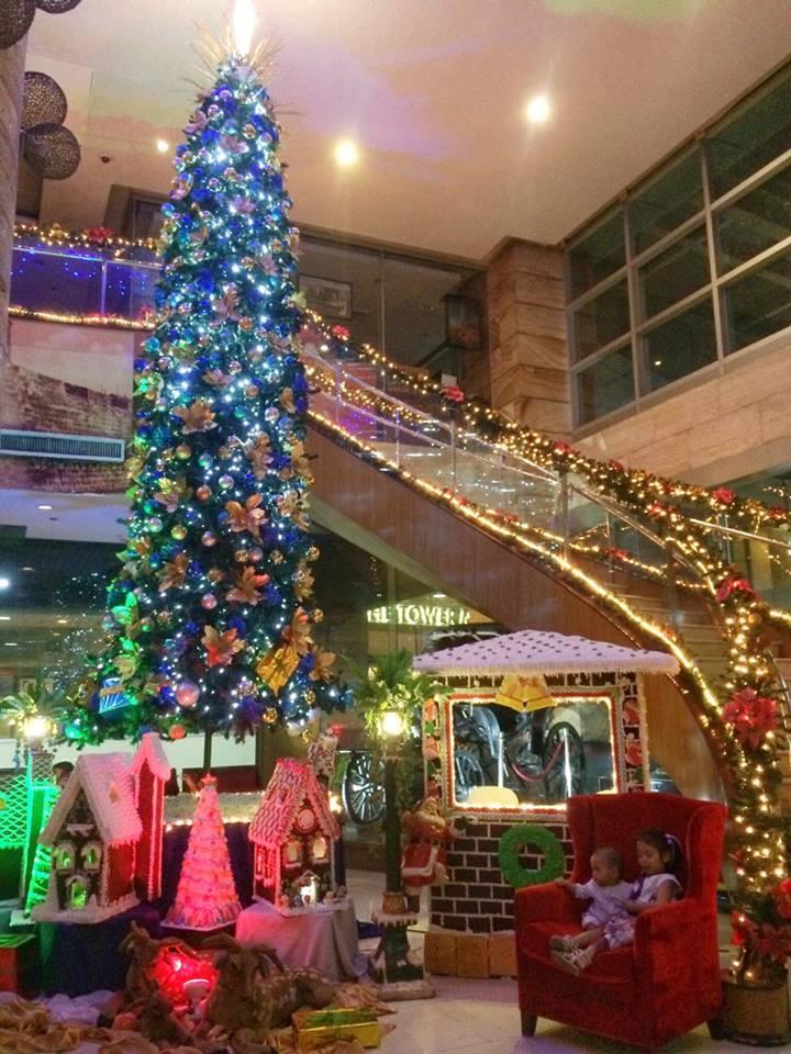 christmas-tree-crown-regency