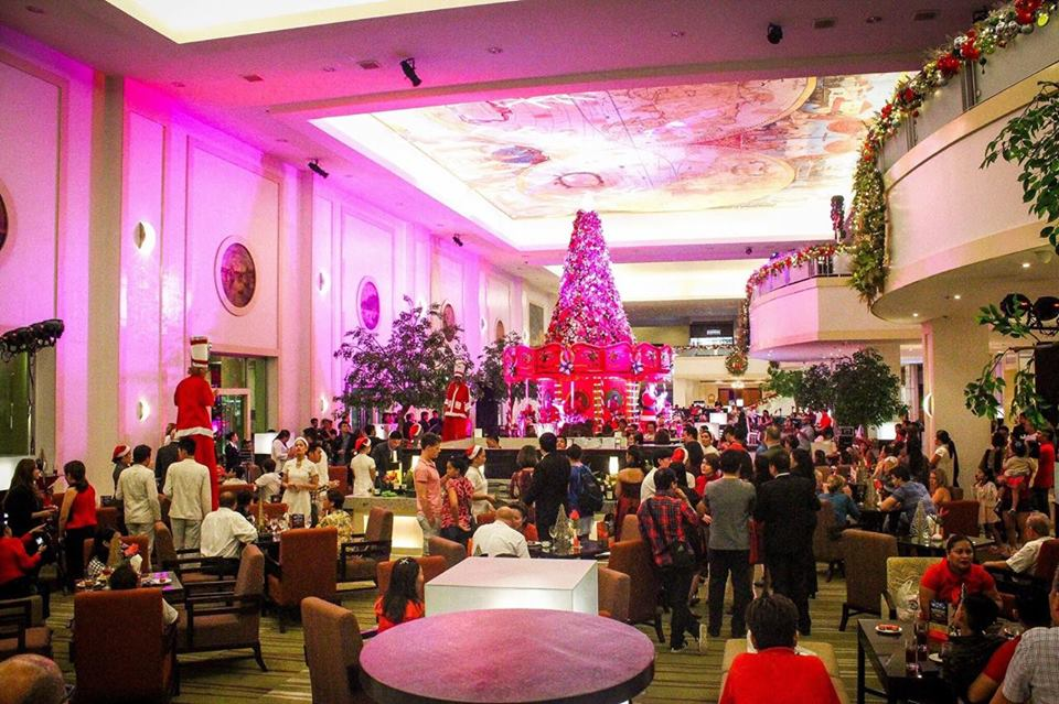christmas-tree-waterfront-hotel-cebu