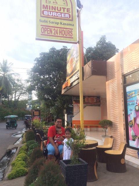 minute-burger-at-parang-maguindanao