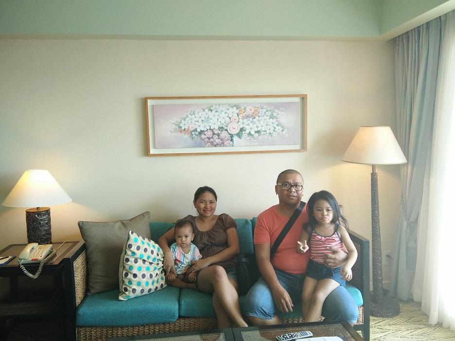family-at-jpark-living-room