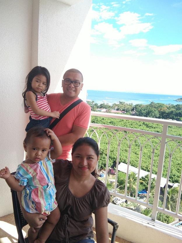 family-at-jpark-room-balcony