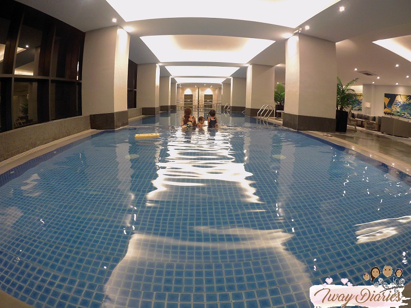 summit galleria hotel cebu swimming pool