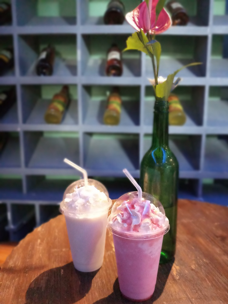 Cafe Elora - frozen drinks