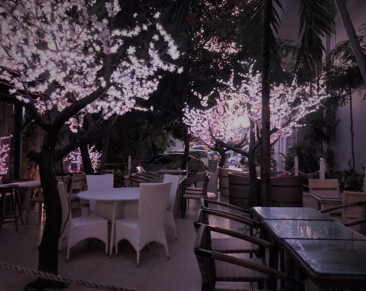 Cafe elora - outdoor