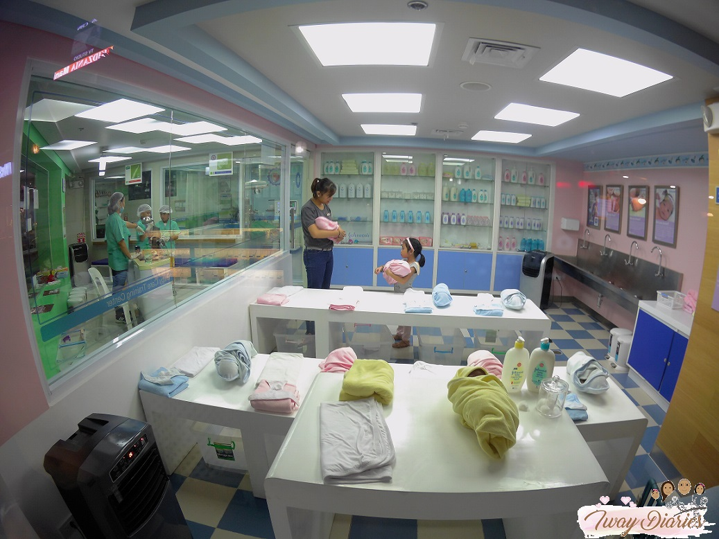Kidzania - baby care - role playing