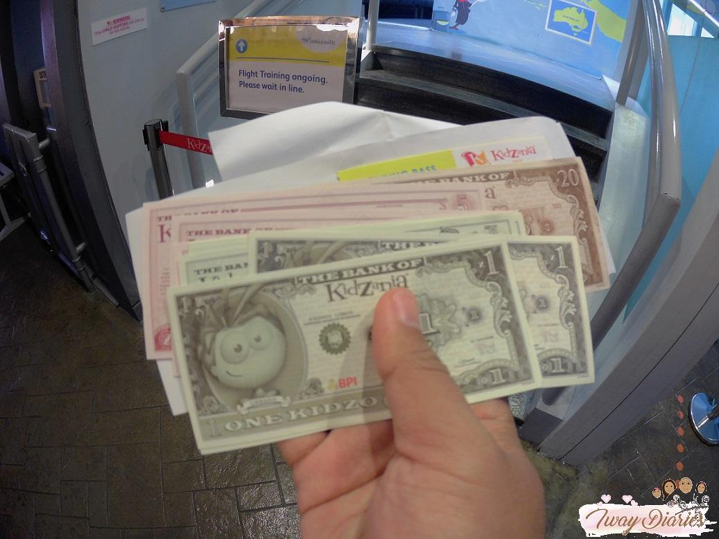 Kidzania - kidzos - play money
