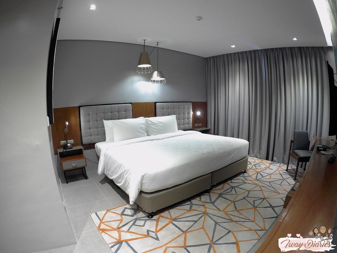 Robinsons Summit Galleria Hotel - Room