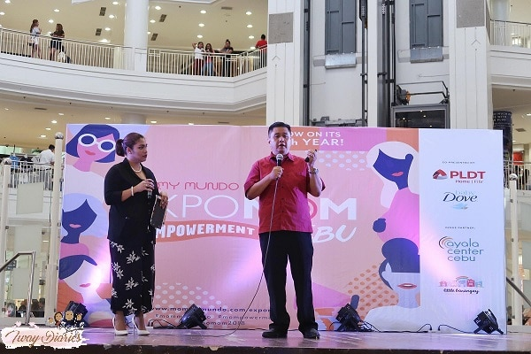 Dr. Lim talking about Flu during Expo Mom in Cebu