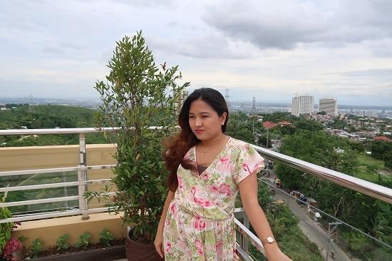 Hannah Iway Mommy Blogger