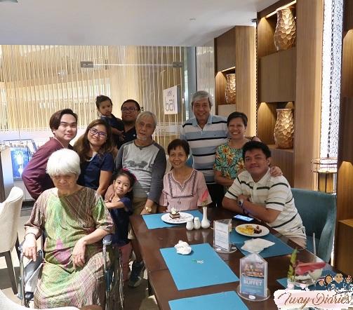Cafe Bai Buffet - guests