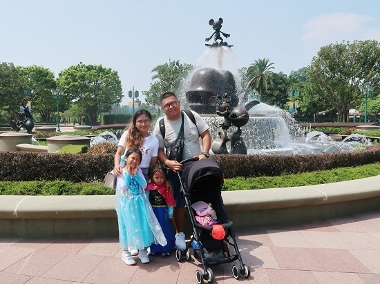 Family Iway in Hong Kong Disneyland